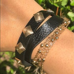 New Leather Bracelet With Gild Tone Hardward